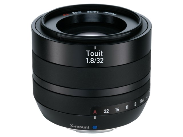 Zeiss Touit 32mm f/1.8 til Fuji X